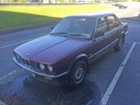 BMW 320i E 30 4 door